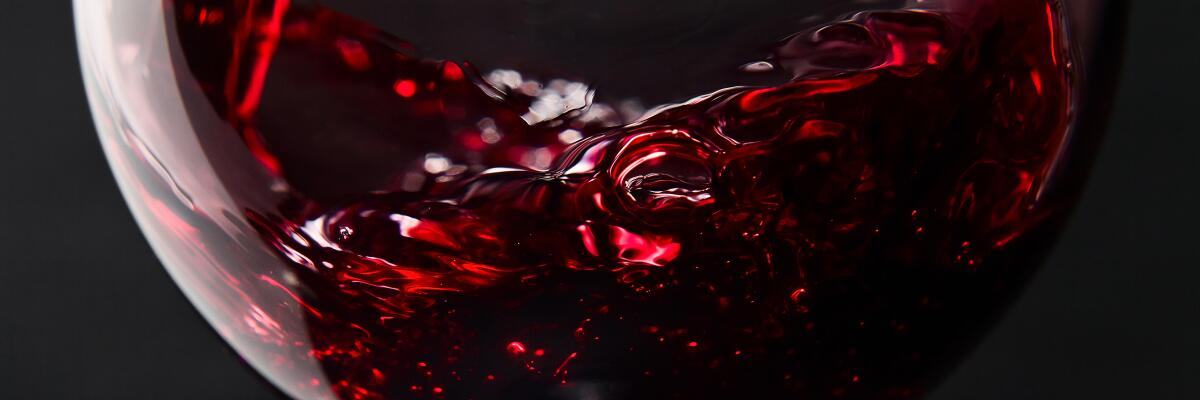 Trockener Rotwein: Kraftvoll oder feingliedrig